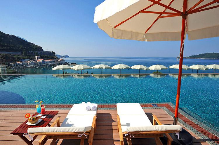 hotel queen of montenegro