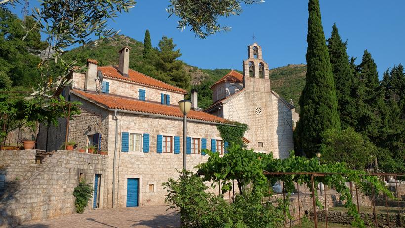 praskvica monastery montenegro