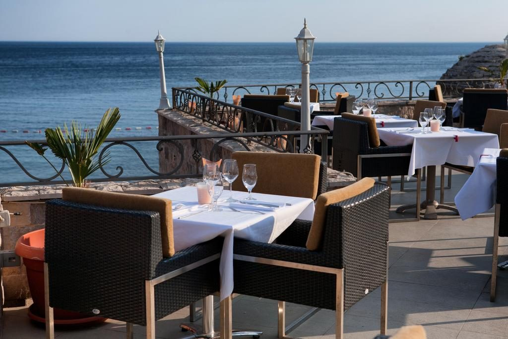 Terrace of hotel Astoria Budva