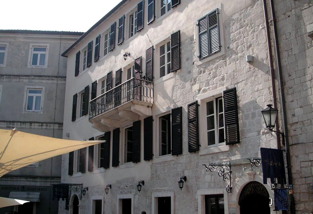 Bucchia Palace Kotor