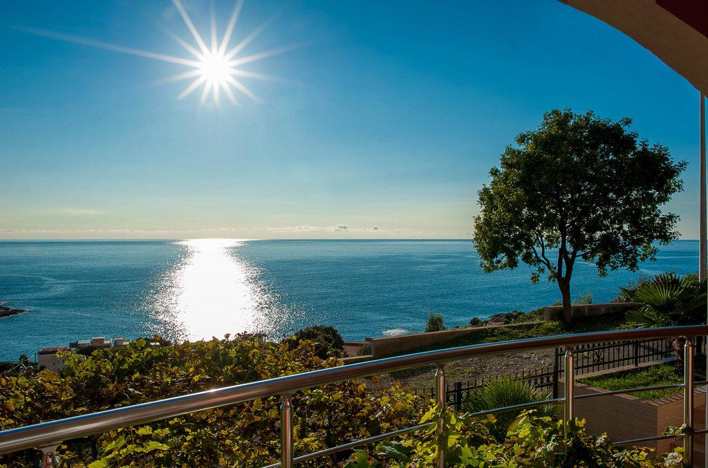 Bar - Open sea view