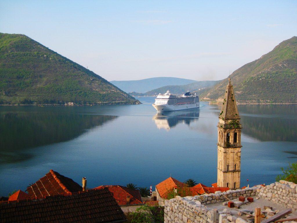 Verige Strait - Cruise Ship MSC