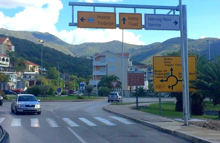 Crossroads in Meljine