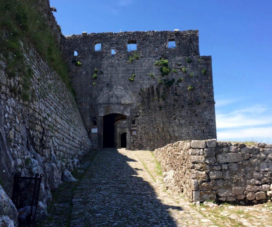 Skadar - Rozafa castle gate