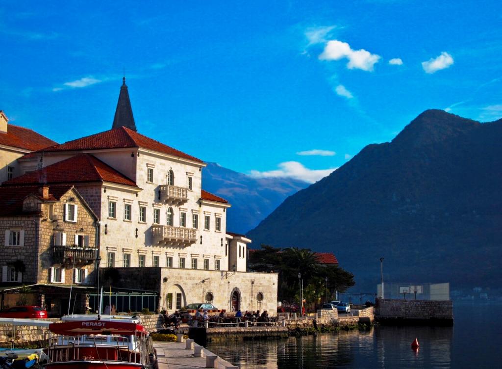 Palata Smekja Perast - Montenegro