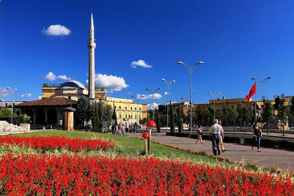 Skanderbeg Square and Et'hem Bey Mosque