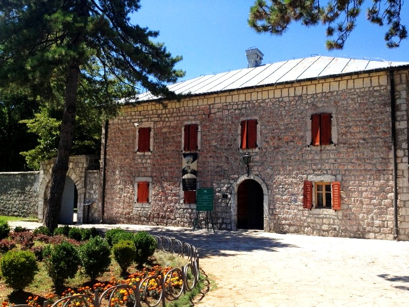 Cetinje capitale historique du Monténégro