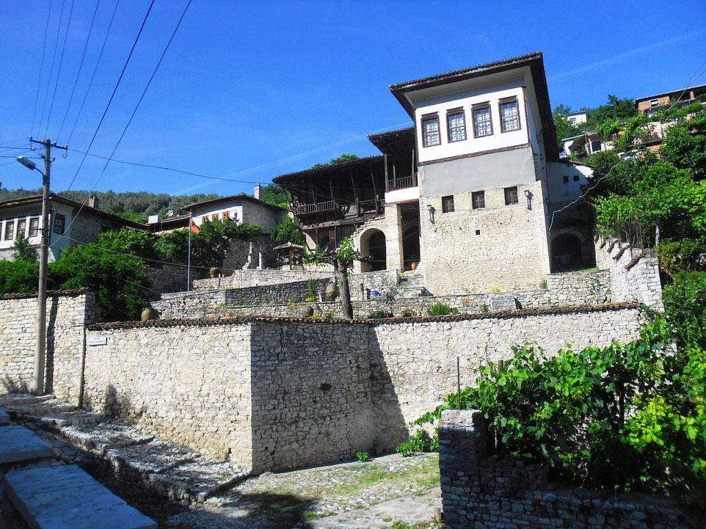 Château de Berat - Vieille maison