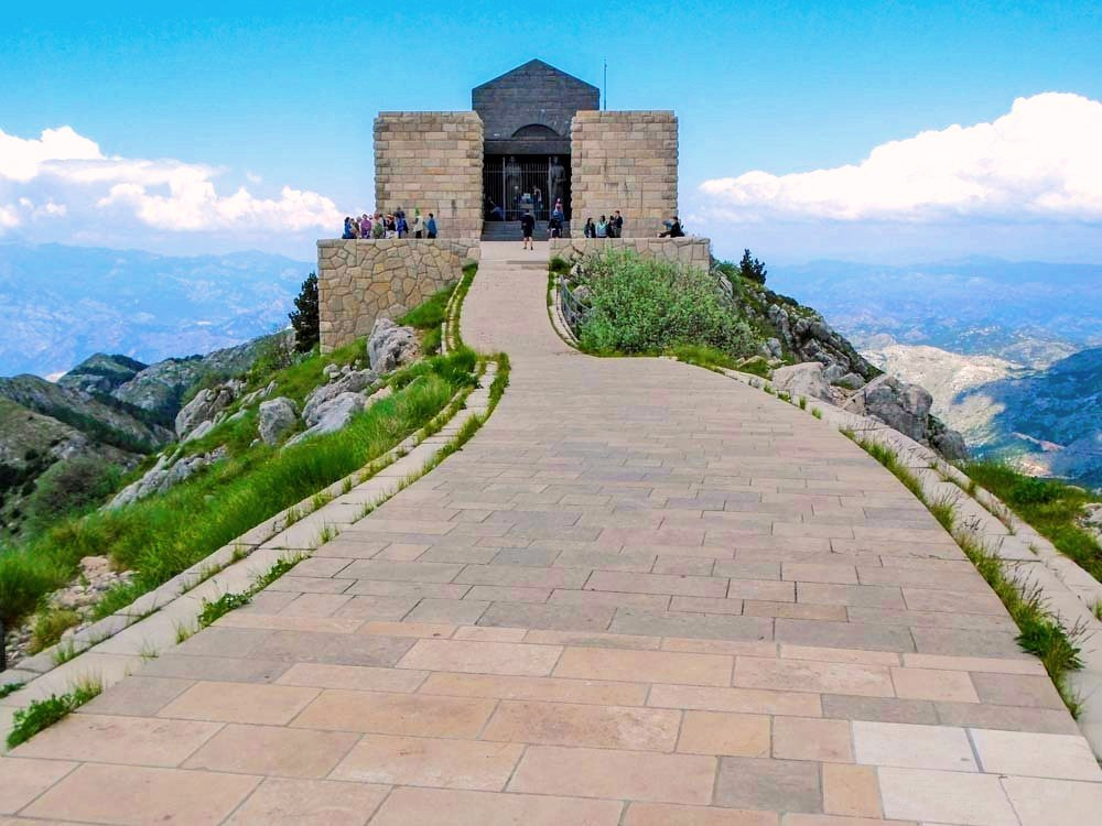 Mausolée du roi Petar Njegos Mont Lovcen - Monténégro