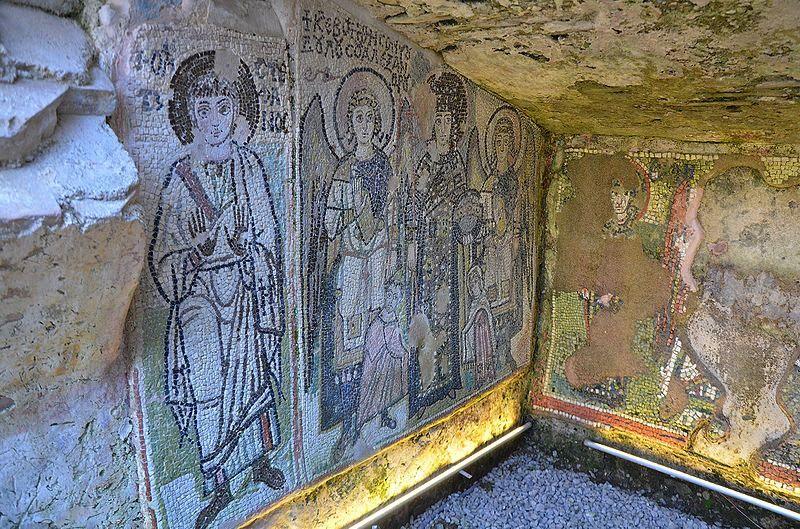 Mosaïques dans la Basilique de amphithéâtre de Durres
