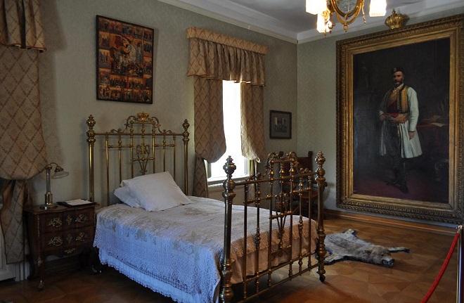 King Nicholas Bedroom Cetinje