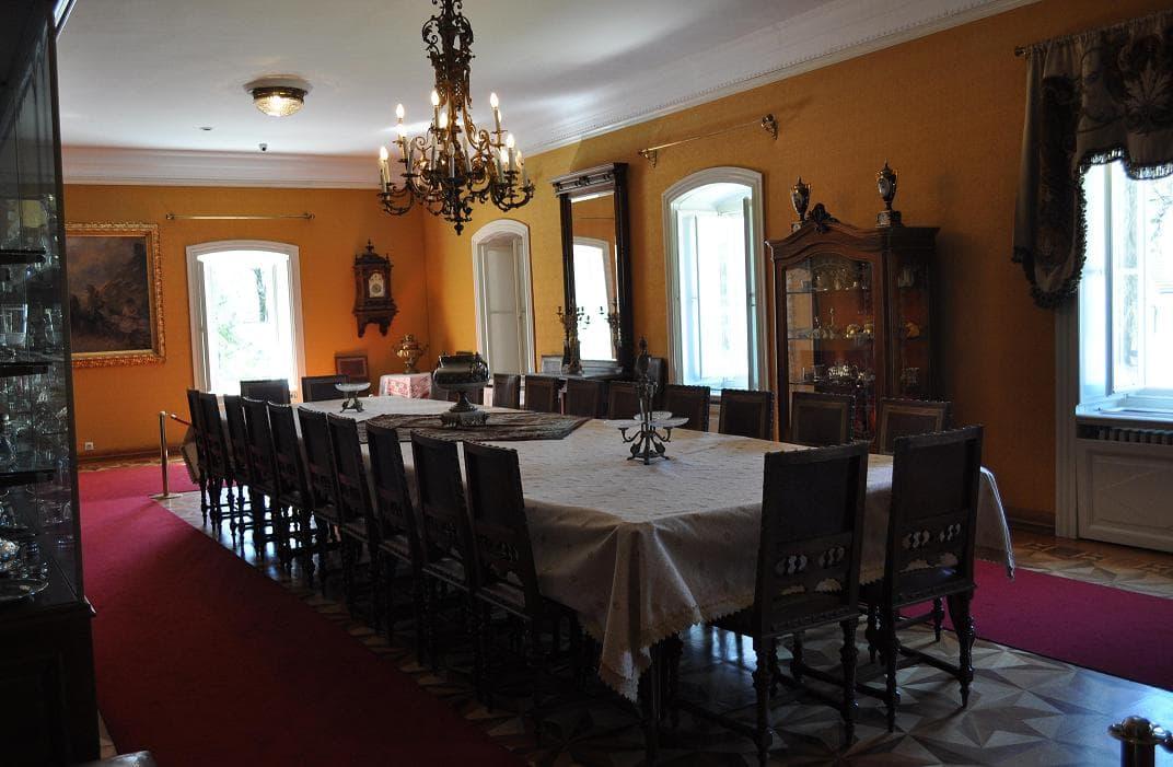 King Nikola Palace Cetinje - Dining-room table