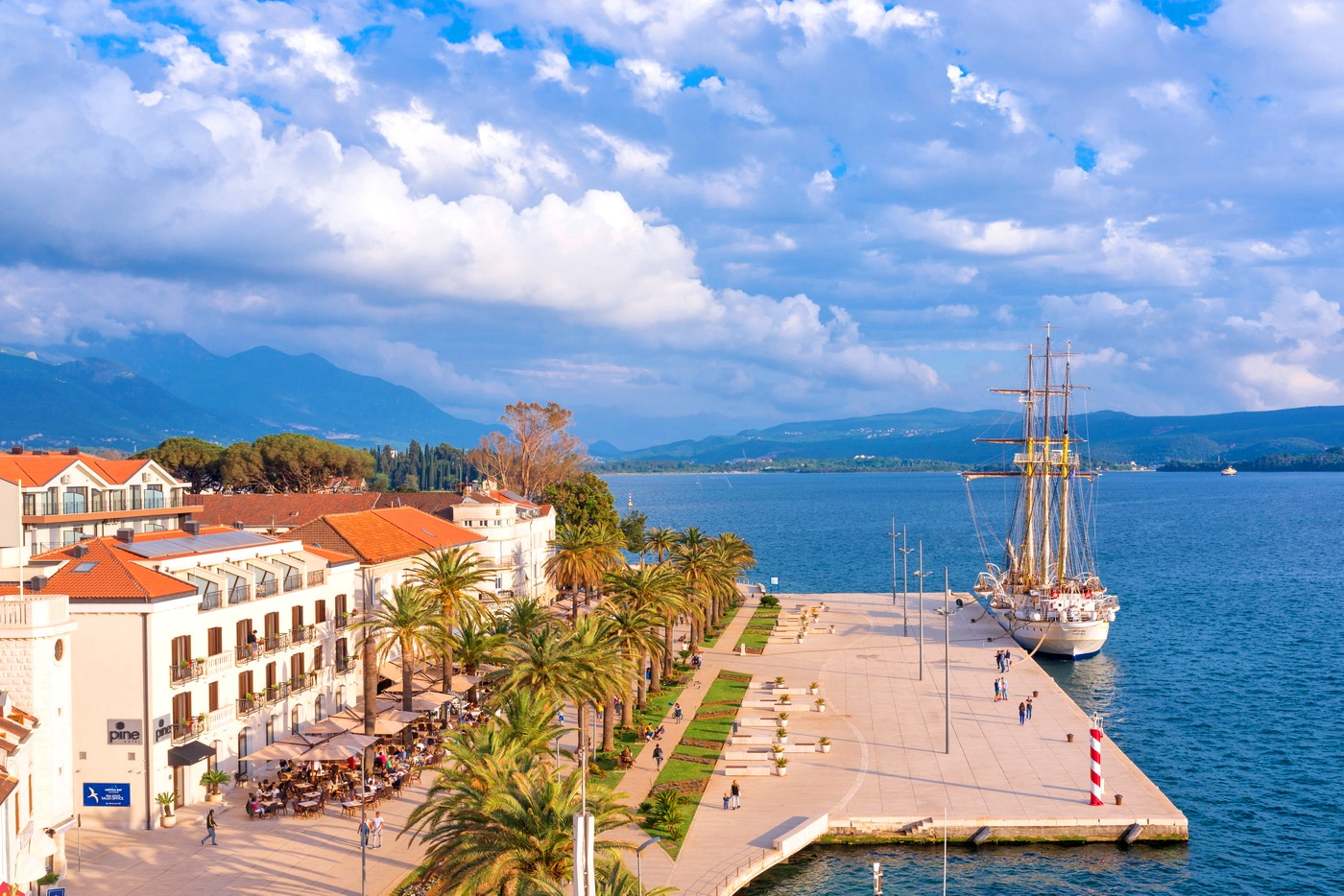 Waterfront square Pine - Tivat downtown